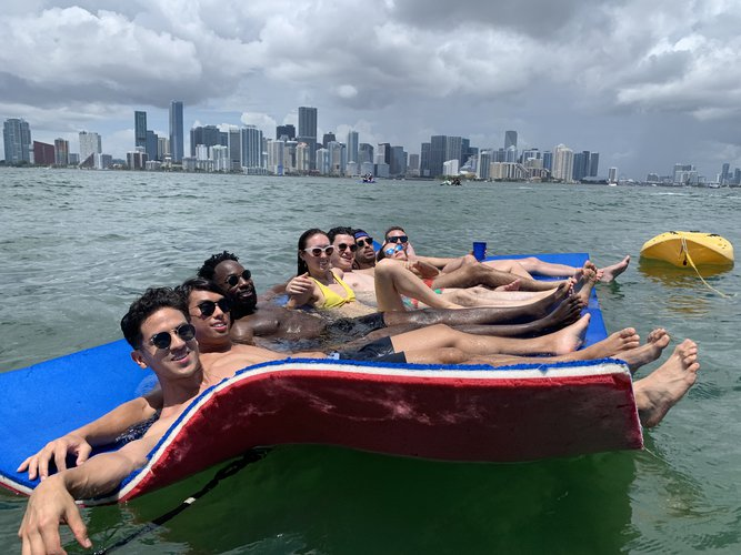 Cruiser boat rental in SaraBay, FL