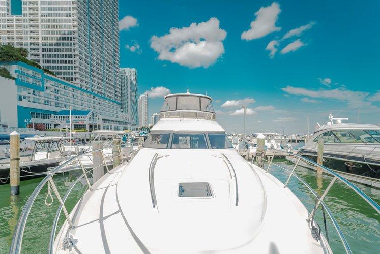 Motor yacht boat rental in sea isle marina, FL
