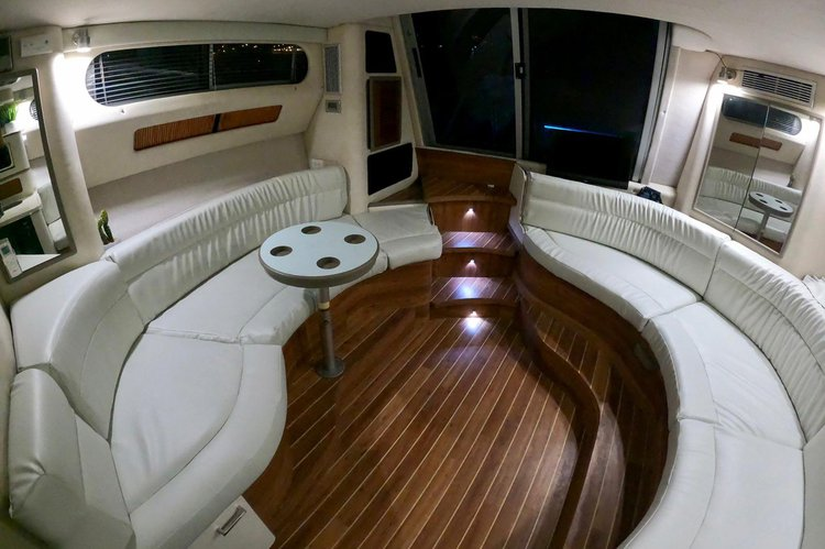 Flybridge boat rental in sea isle marina,