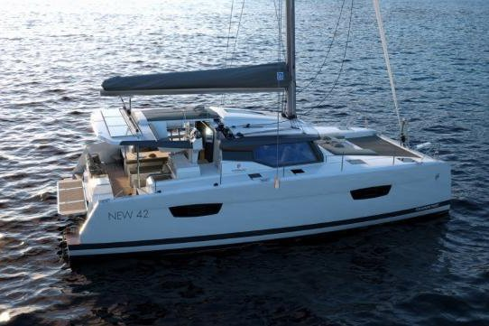 Move with the wind in Bahamas aboard this amazing  Astrea 42