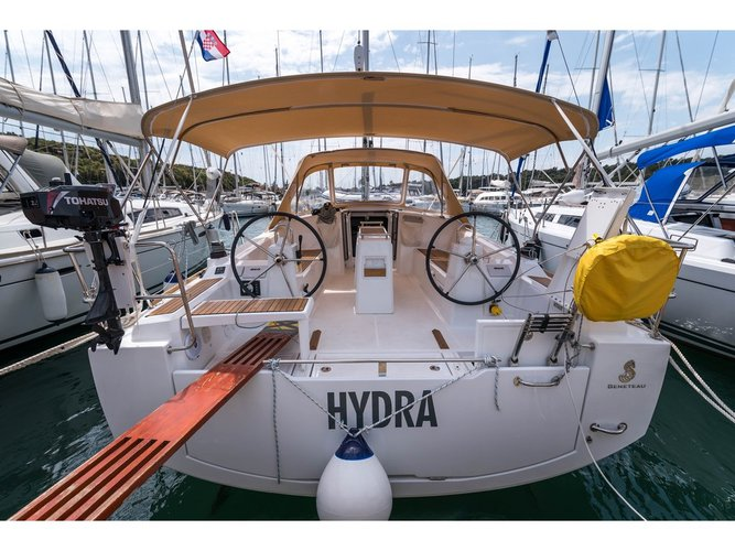 Experience  on board this elegant sailboat