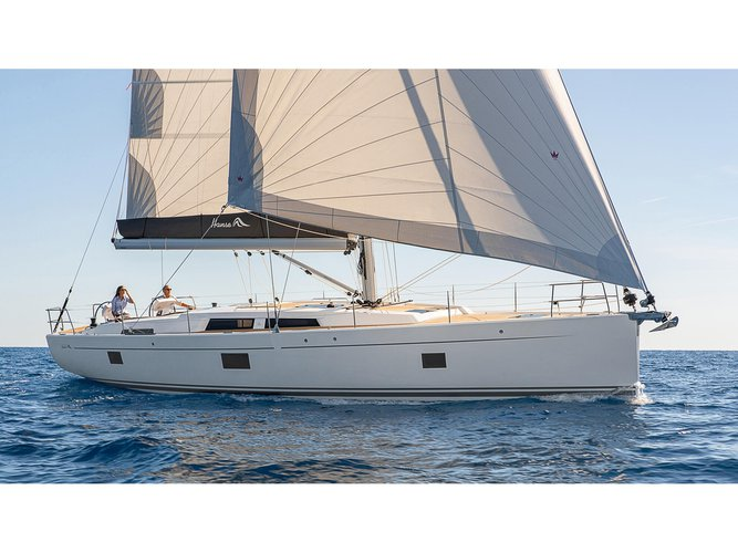 Enjoy luxury and comfort on this Hanse Yachts Hanse 508 in Lavrion