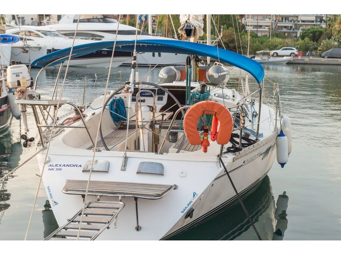 Beautiful Jeanneau Sun Legende 41 ideal for sailing and fun in the sun!