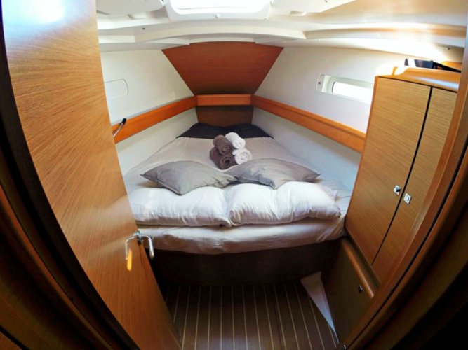 Prow cabin