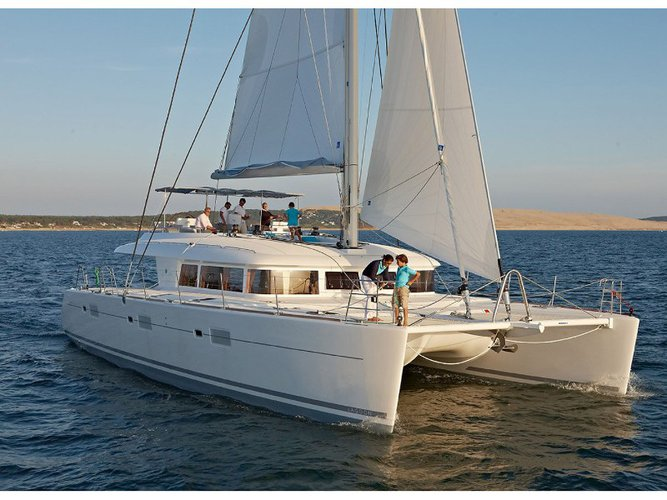 Climb aboard this Lagoon Lagoon 620 Essence for an unforgettable experience