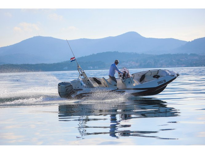 Get on the water and enjoy Sukošan in style on our  Zar 61