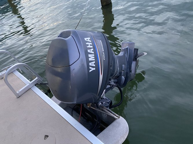 Pontoon boat rental in Miami Beach, FL