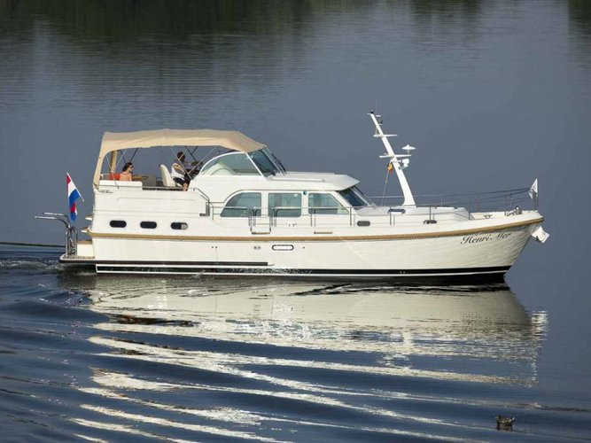 Charter this amazing Linssen Linssen Grand Sturdy 40.0 AC in Willemstad, NL