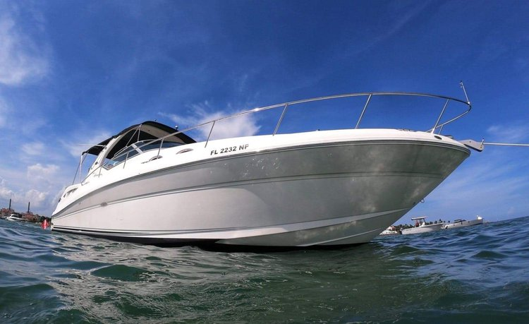 38' Sea Ray Yacht in Miami. The price includes your Captain and fuel !