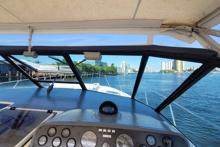 Discover Miami surroundings on this 45 Express Tiara boat