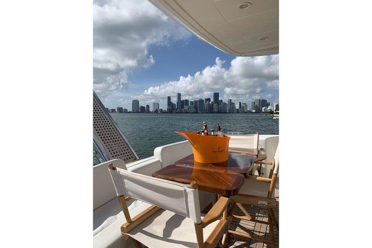 Uniesse's 55.0 feet in Miami Beach