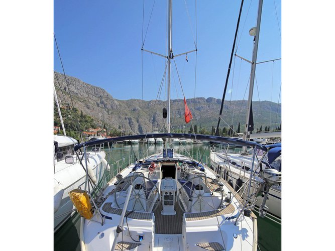 Enjoy luxury and comfort on this Achillio sailboat charter