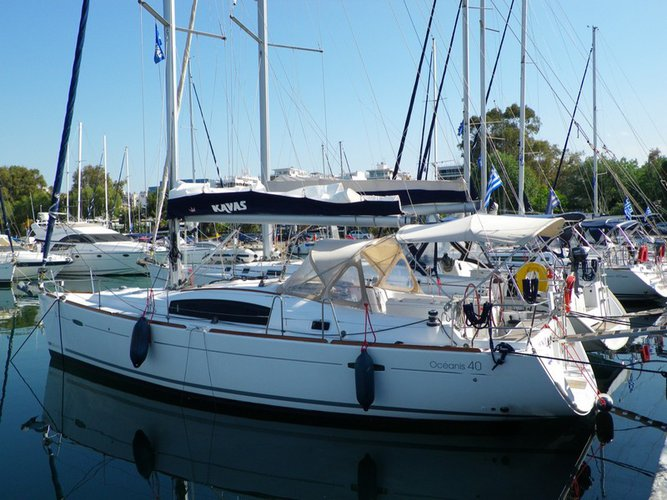 Enjoy luxury and comfort on this Beneteau Oceanis 40.1 in Kos