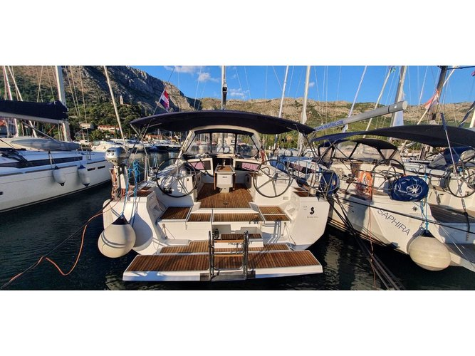 Enjoy luxury and comfort on this Trogir sailboat charter