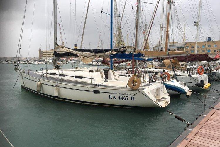 Boat rental in Genoa,