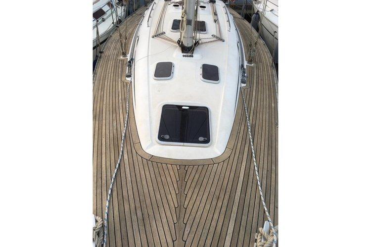 Discover Genoa surroundings on this Elan 40 Elan boat