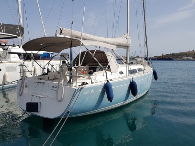 All you need to do is relax and have fun aboard the Hanse Yachts Hanse 400