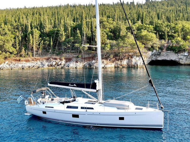 Sail Lavrion, GR waters on a beautiful Hanse Yachts Hanse 508