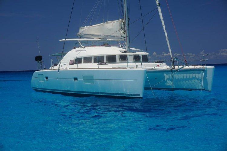 Boat for rent Lagoon 38.0 feet in Puerto Aventuras Marina, Mexico