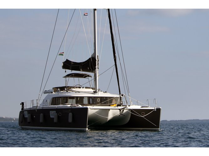 Enjoy luxury and comfort on this Lagoon Lagoon 440  in Trogir