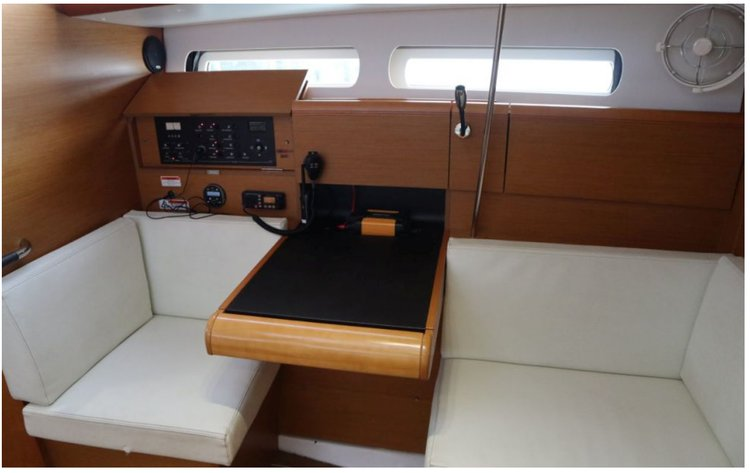 Monohull boat for rent in New Providence