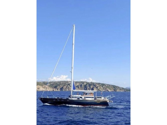 The perfect boat to enjoy everything La Spezia, IT has to offer