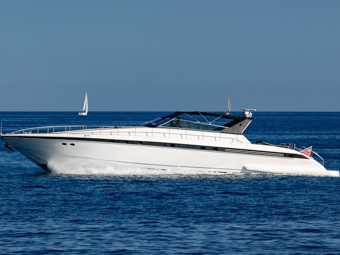 Charter this amazing motor boat in Milazzo