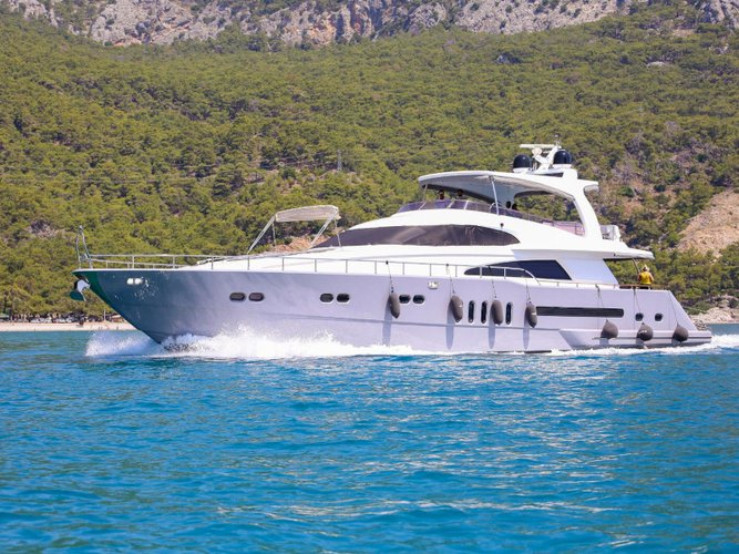 Sail the beautiful waters of Göcek on this cozy  Motoryacht Erdogan
