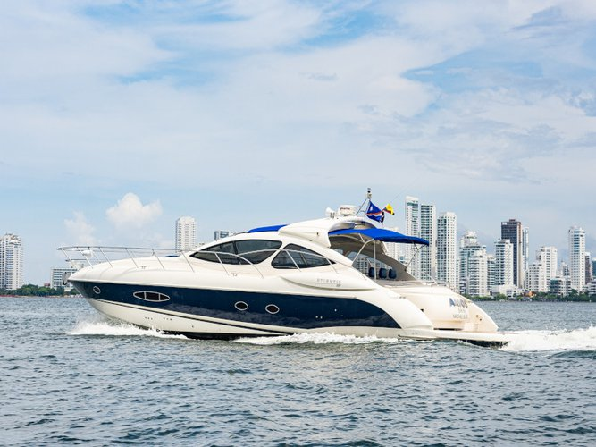 Charter this amazing motor boat in Cartagena - Bolivar