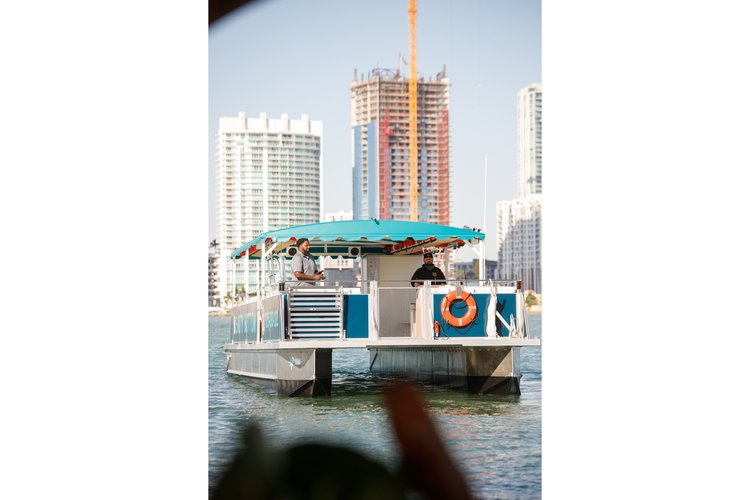 Boating is fun with a Motor boat in Miami