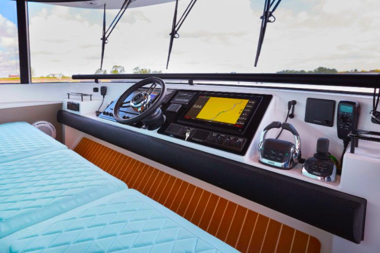 This 56.0' Dutch cand take up to 12 passengers around Fort Lauderdale