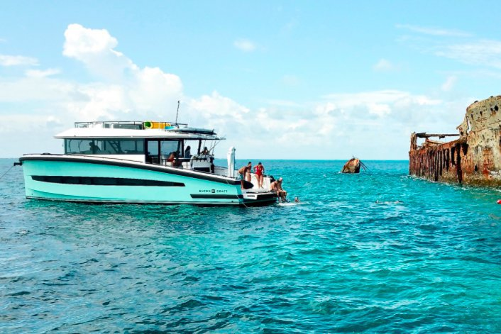 Boating is fun with a Motor yacht in Fort Lauderdale