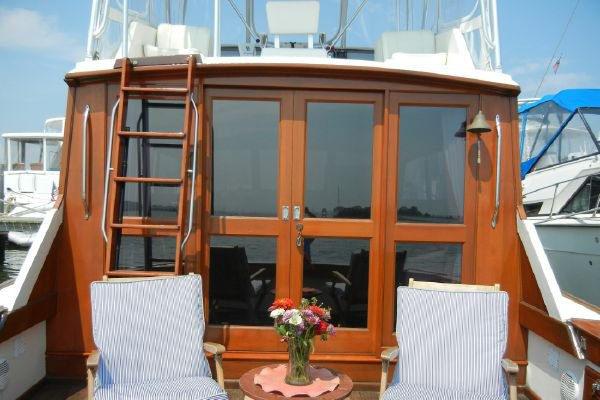 Motor yacht boat for rent in Piermont
