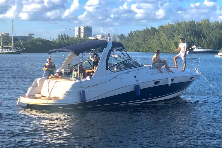 Boating is fun with a Motor yacht in Hallandale Beach