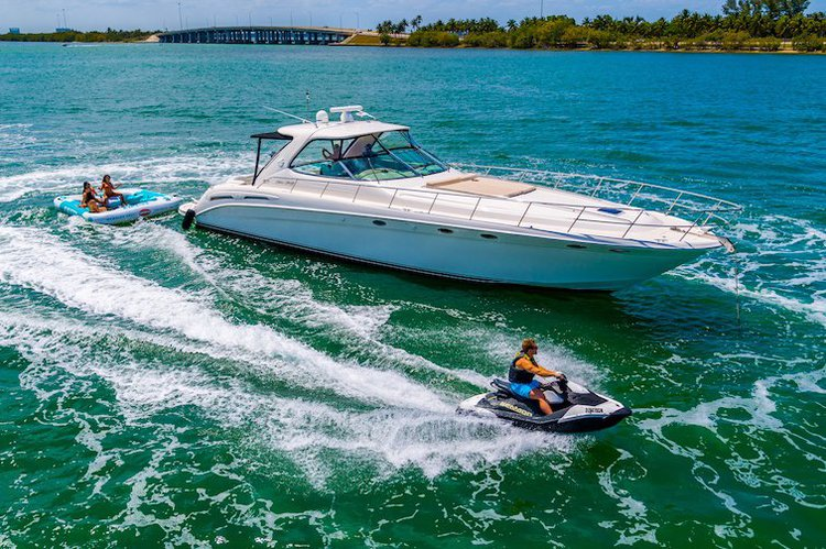 Rent a Luxury Yachting Experience! 58' SeaRay (4)