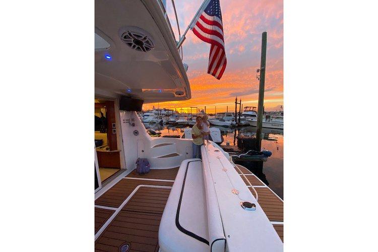 Flybridge boat for rent in Brooklyn