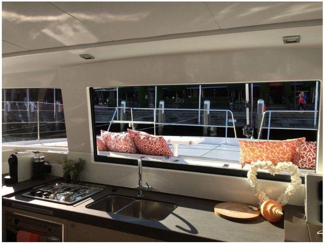This 43.0' Bali cand take up to 12 passengers around Charlotte Amalie