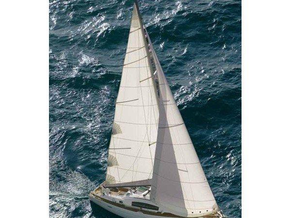 Jump aboard this beautiful Beneteau Oceanis 40
