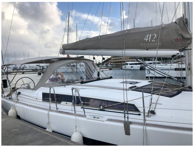 Discover Charlotte Amalie surroundings on this 412 GL Dufour boat