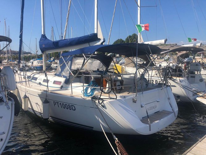 Get on the water and enjoy Golfo Aranci in style on our Dufour Yachts Dufour 425 GL