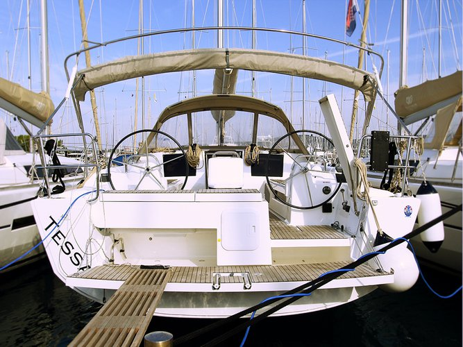 Enjoy luxury and comfort on this Dufour Yachts Dufour 412 Grand large in Kaštel Gomilica