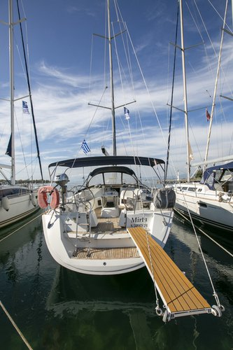 All you need to do is relax and have fun aboard the Jeanneau Sun Odyssey 49i