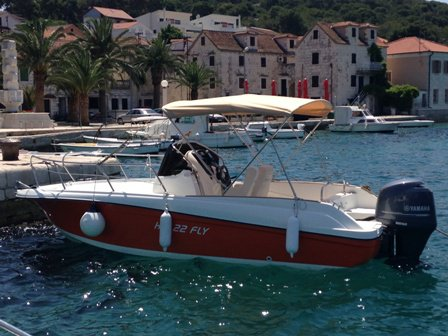 Get on the water and enjoy Trogir in style on our  HM 22 Fly SUNDECK
