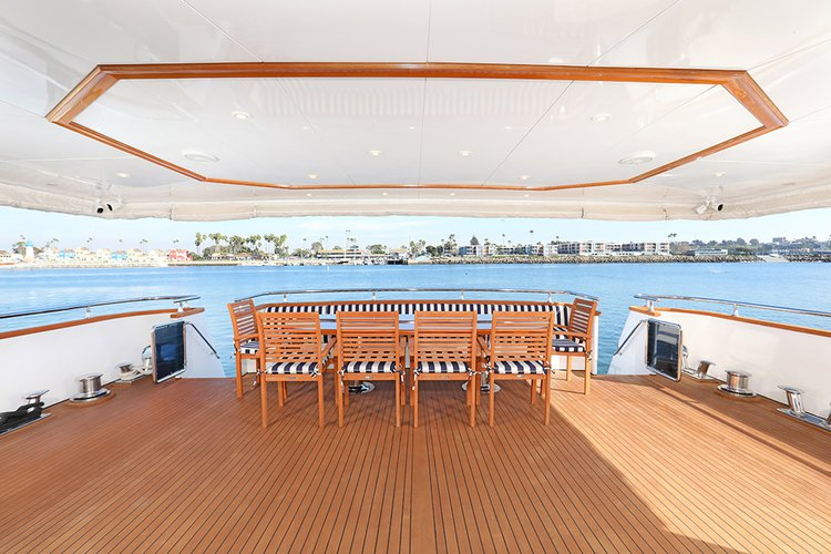 Discover Newport Beach surroundings on this XL Admiral boat