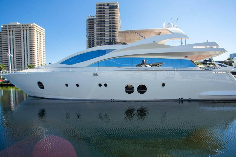 Clean Yet Elegant – 85′ Aicon