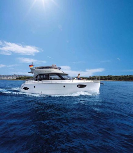This 40.0' Bavaria Yachtbau cand take up to 7 passengers around Istra