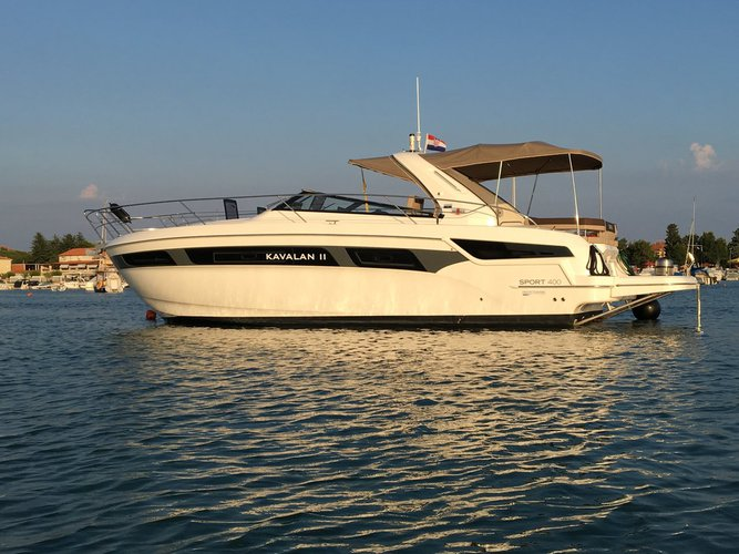 Sail the beautiful waters of Istra on this cozy Bavaria Yachtbau Bavaria S40 OPEN