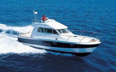 This 35.0' Bénéteau cand take up to 6 passengers around Zadar region