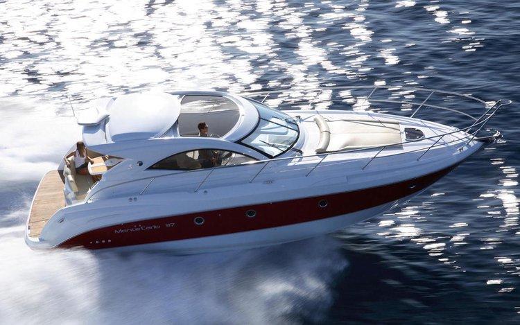Jump aboard this beautiful Bénéteau Monte Carlo 37 Hard Top