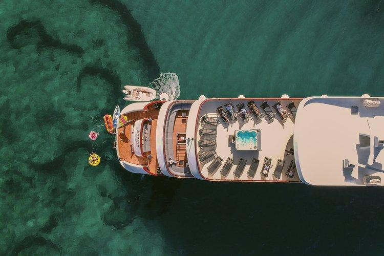 Motor yacht boat rental in Split, Croatia